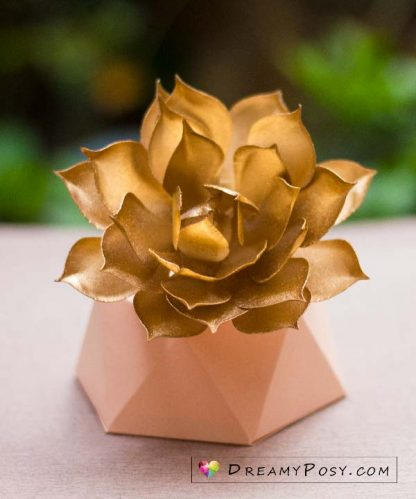 Paper succulent, free template and tutorial